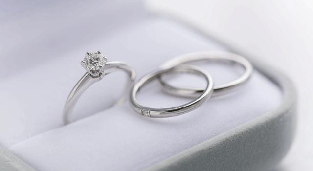 婚約指輪、結婚指輪